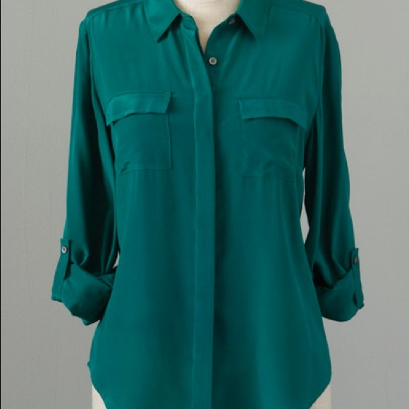 8fc452d0f1d75 Ann Taylor Tops - Emerald green silk blouse